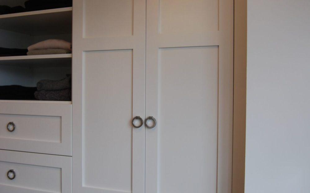 Custom white closet, Open shelves