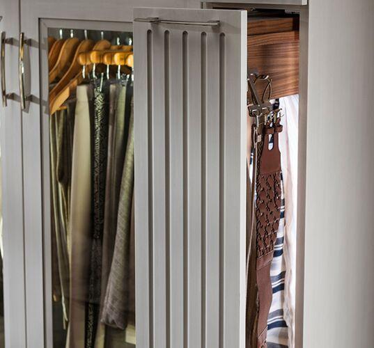 Elegant Custom closet Pull out closet