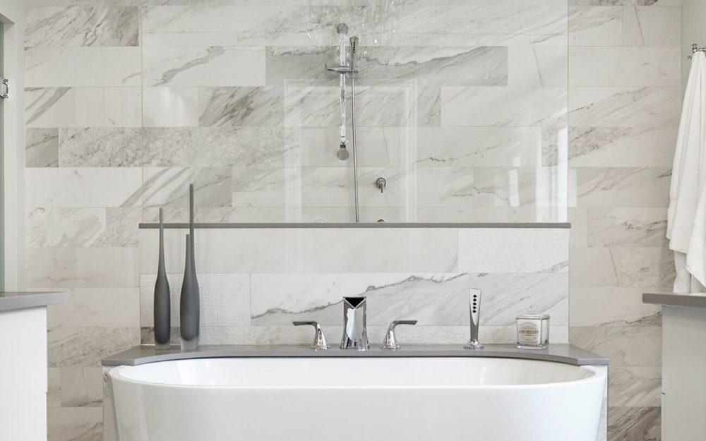 Freeston white bathroom freestanding tub